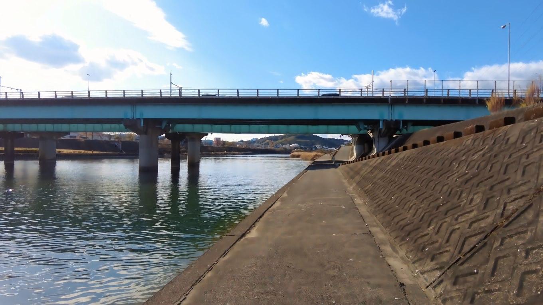 鏡川橋までやってきた