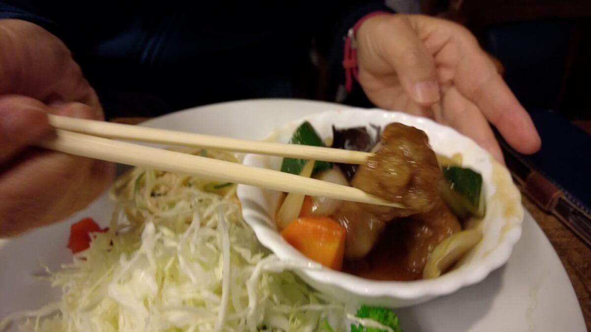 ツレは酢豚定食