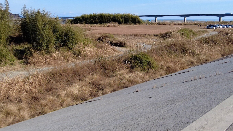 仁淀川の河口近くに ラジコン飛行場がある