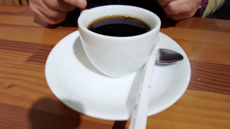 ただしコーヒーはスモール