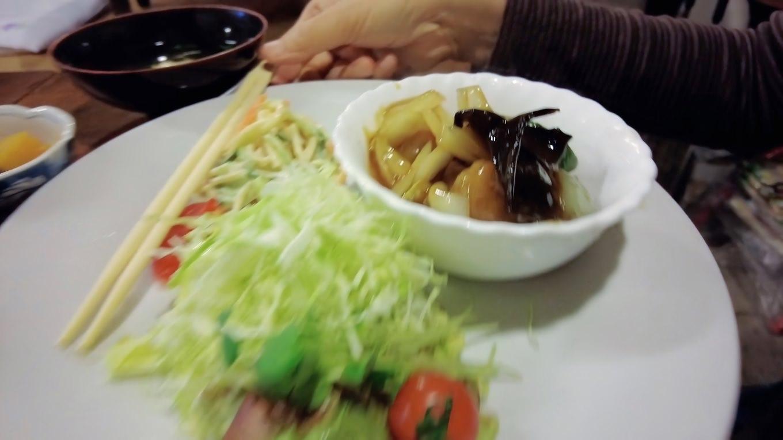 ツレは酢豚定食をオーダー