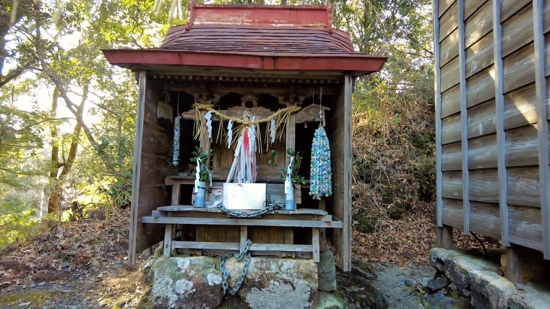 さらに本殿横の西宮神社にも参拝する