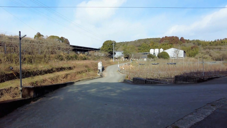 牧場を通過