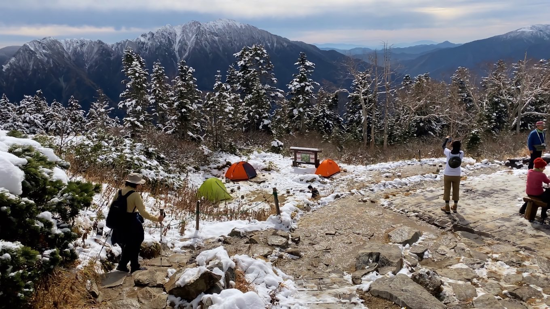 正面に見える霞沢岳 かすみざわだけ が美しい