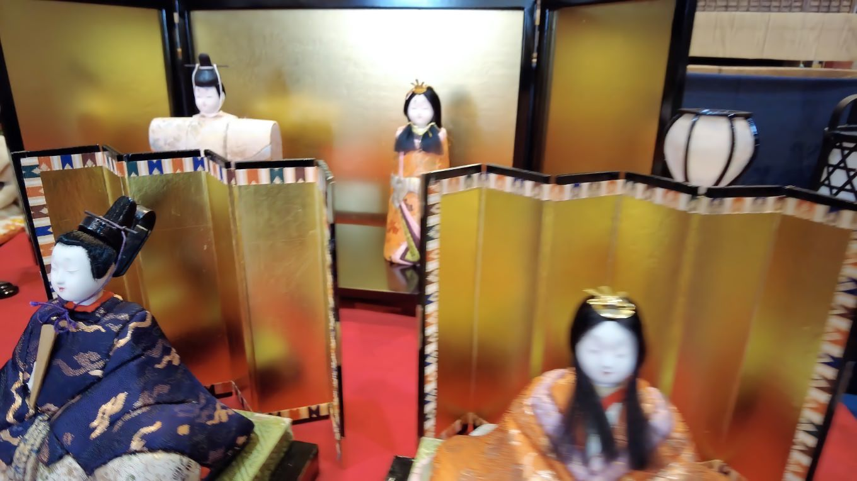 雛祭りも近いと言うことで ひな人形が飾られていた