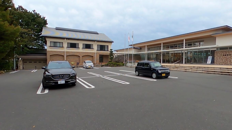 穂高神社 ほたかじんじゃ の駐車場に到着
