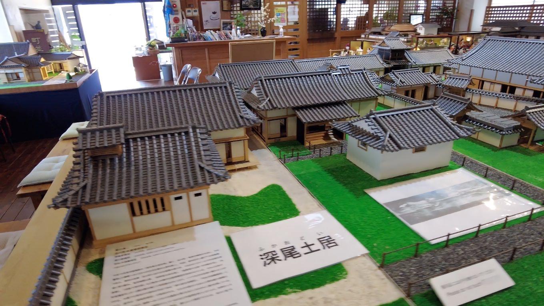 2階に上がると 佐川町の古い街並みのジオラマがある
