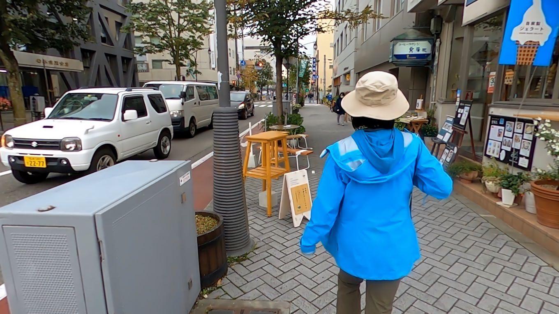 松本城を後にして 町を歩いて行く