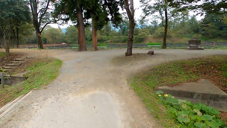 中に入ると まるで公園のように整備されていた