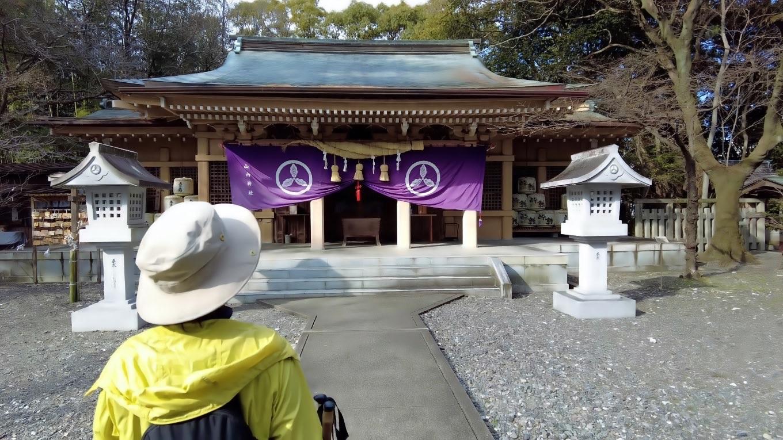 山内神社に参拝する