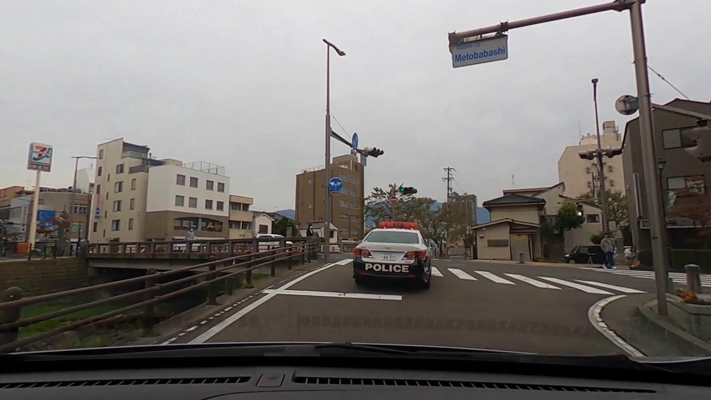 参拝を終え 車で松本市にやってきた