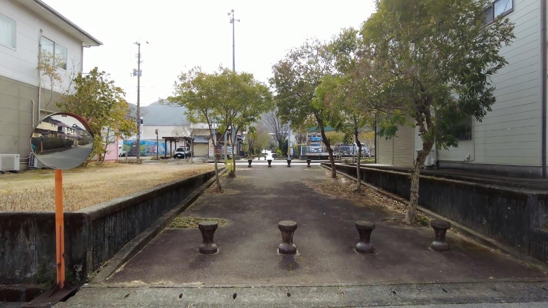 天王ニュータウンを出発し 朝倉城跡まで歩いて行く
