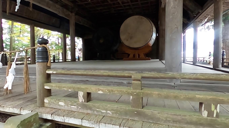 大太鼓は一枚皮が使われ 一枚皮では日本一の大きさだそうだ