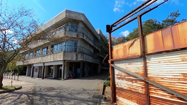 このあたりは小学校の時に修学旅行で泊まった覚えがあるのだが 既に廃墟になっていた