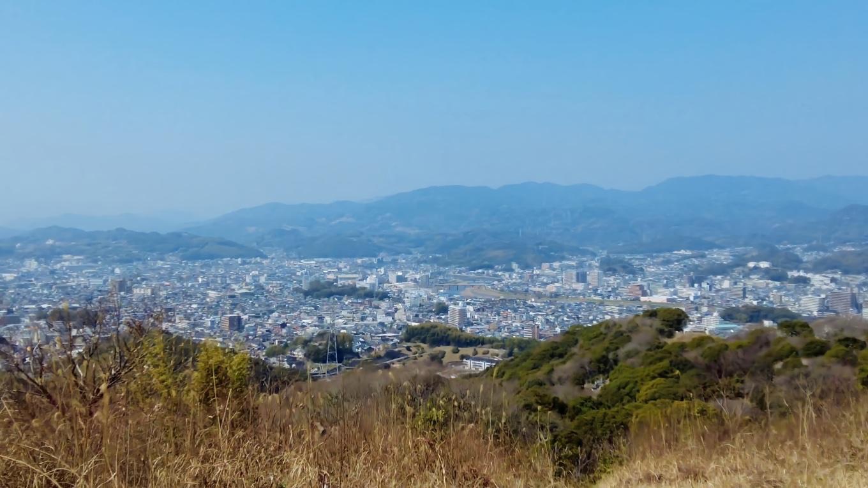 ここから高知市を一望できる