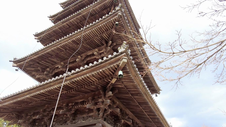 岡山県唯一の五重塔で 重要文化財に指定されている