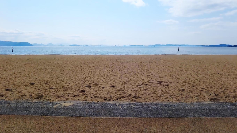 人が少なくて 開放感がある海岸だ