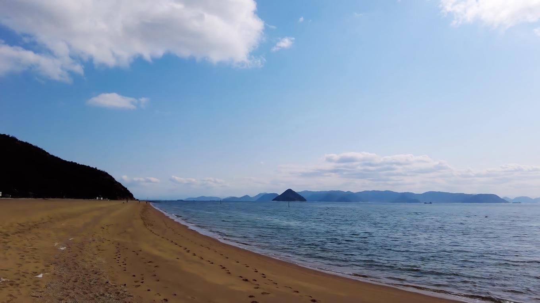 約1km続く 美しい海岸だ