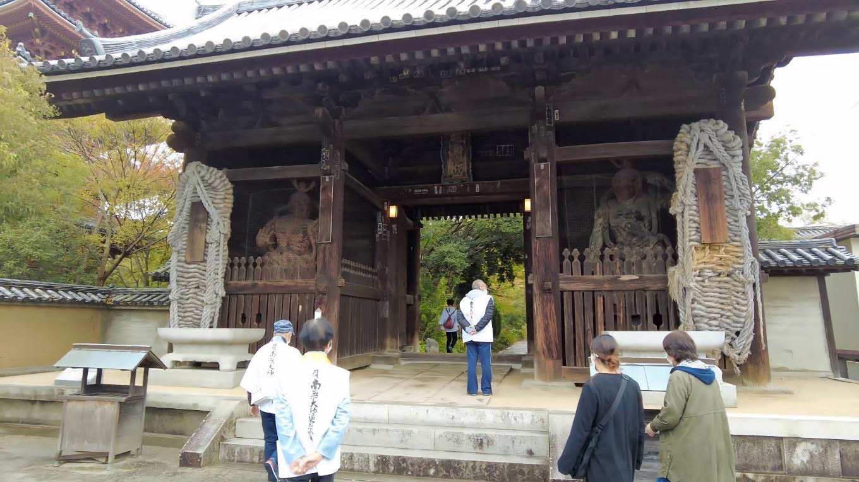 仁王門の像は 運慶の作だ