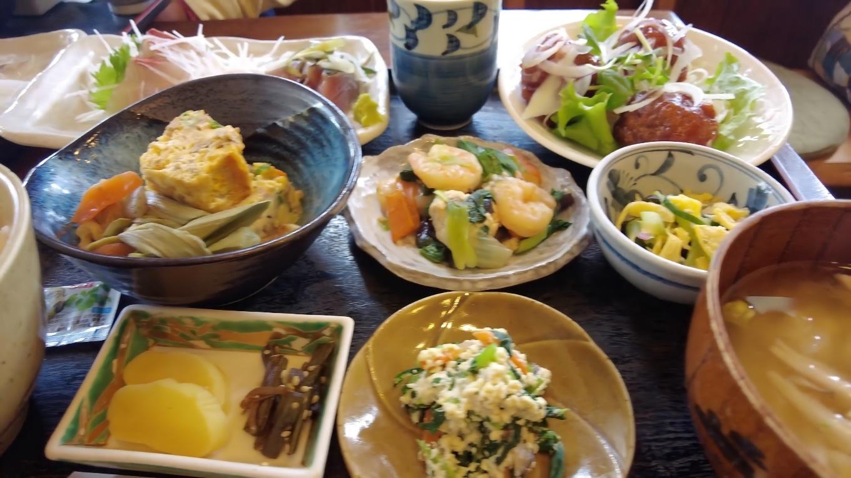 この日は自宅を車で出発し 須崎市内の喫茶店でランチ