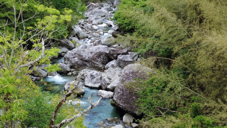 この下を流れる高樽川 たかだるがわ は 小川川 こがわがわ の支流になる