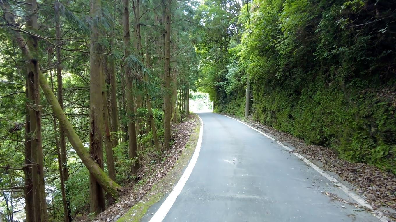 道路はきれいに舗装されていて いい意味で予想を裏切られた