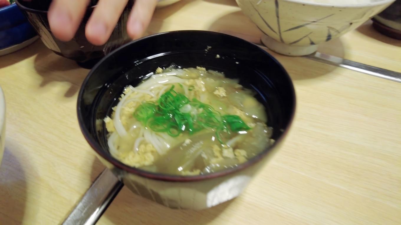 刺身はもちろん 付け合わせの煮物やツガニ汁など 全てビックリするくらいおいしい