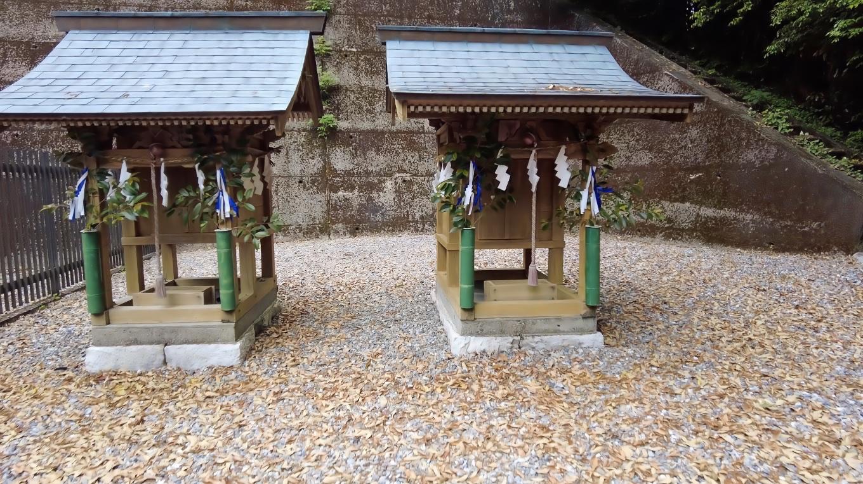 摂社の竃神社と武内神社に参拝する