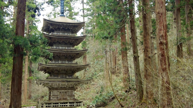 平将門が建立し1608年に出羽山形藩主の最上義光が修造したもので 国宝になっている