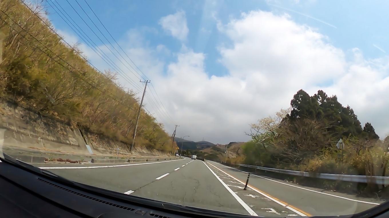 国道1号線で 箱根に向かう
