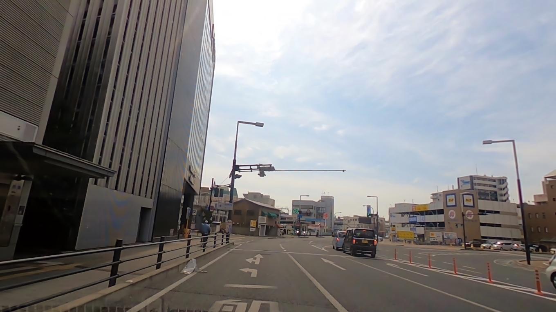 食事を終え 車で岡山駅に向かった