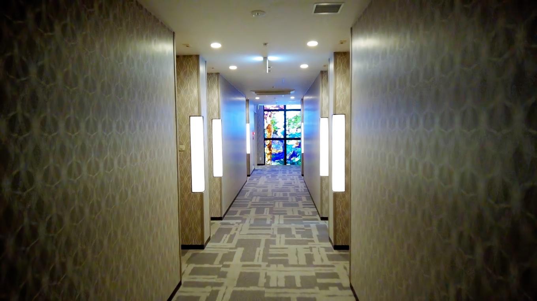 今回は フロントから続いているフロア 2階の扱い の部屋だ