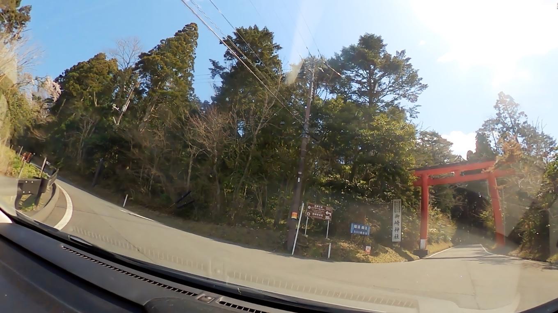 そこから車で 御崎神社にやってきた