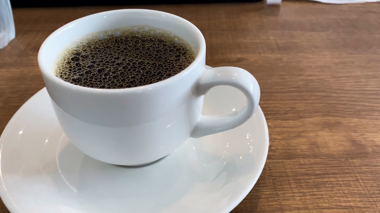 食後 ホットコーヒーをとってきた