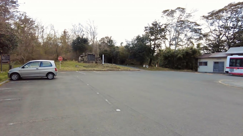 すぐに御崎神社の駐車場に到着