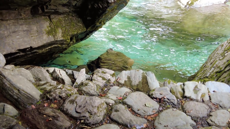 宮古市の青の洞窟を思い出した