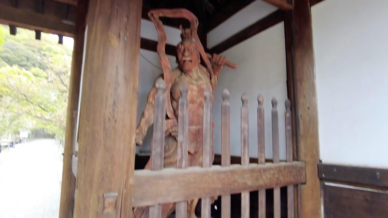 仁王力士は運慶及び湛慶の作と伝えられている