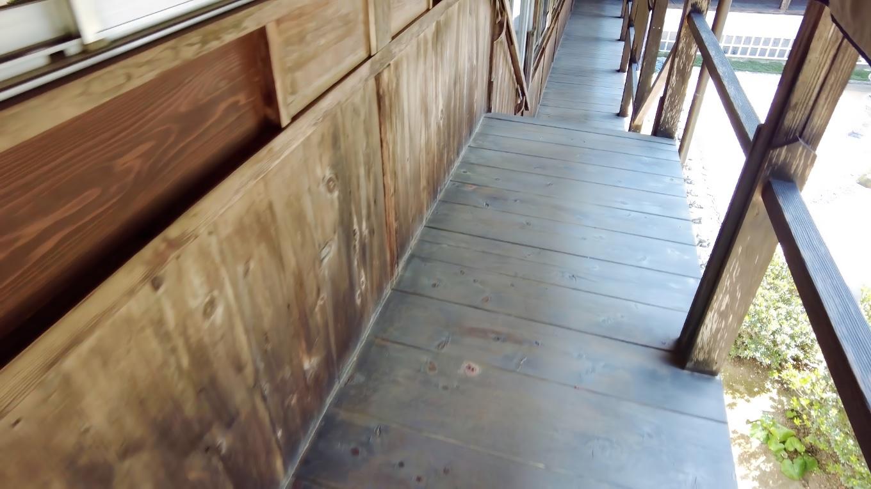 本堂と大師堂をつなぐ回廊がある