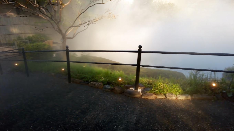 周囲は一面霧の中