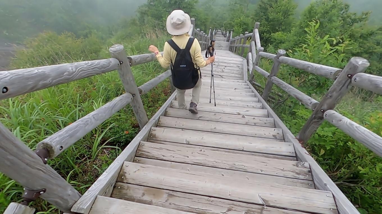 さらに階段を降りていくので 帰りが不安になってきた 苦笑