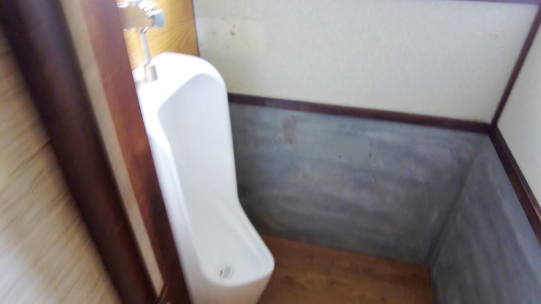 その奥にトイレ