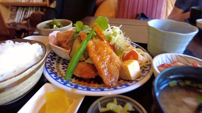 この日の日替わりランチは 魚のフライ