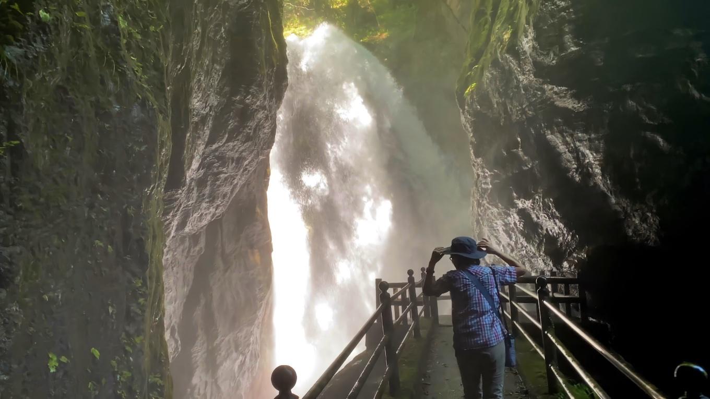 雨竜の滝は大迫力