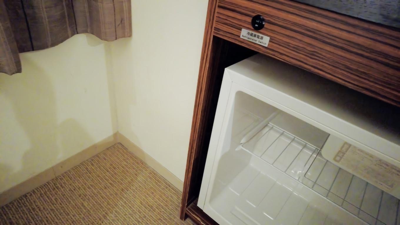 部屋にはテレビ 冷蔵庫