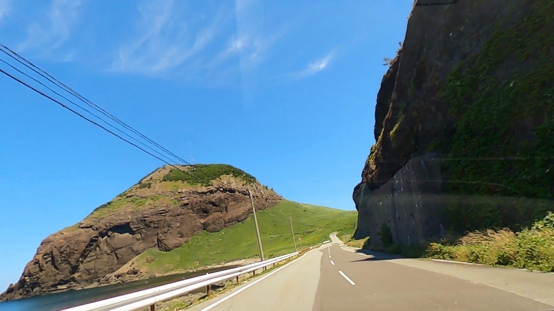標高167mの一枚岩が日本海に突き出し ミシュランに二つ星として掲載されている